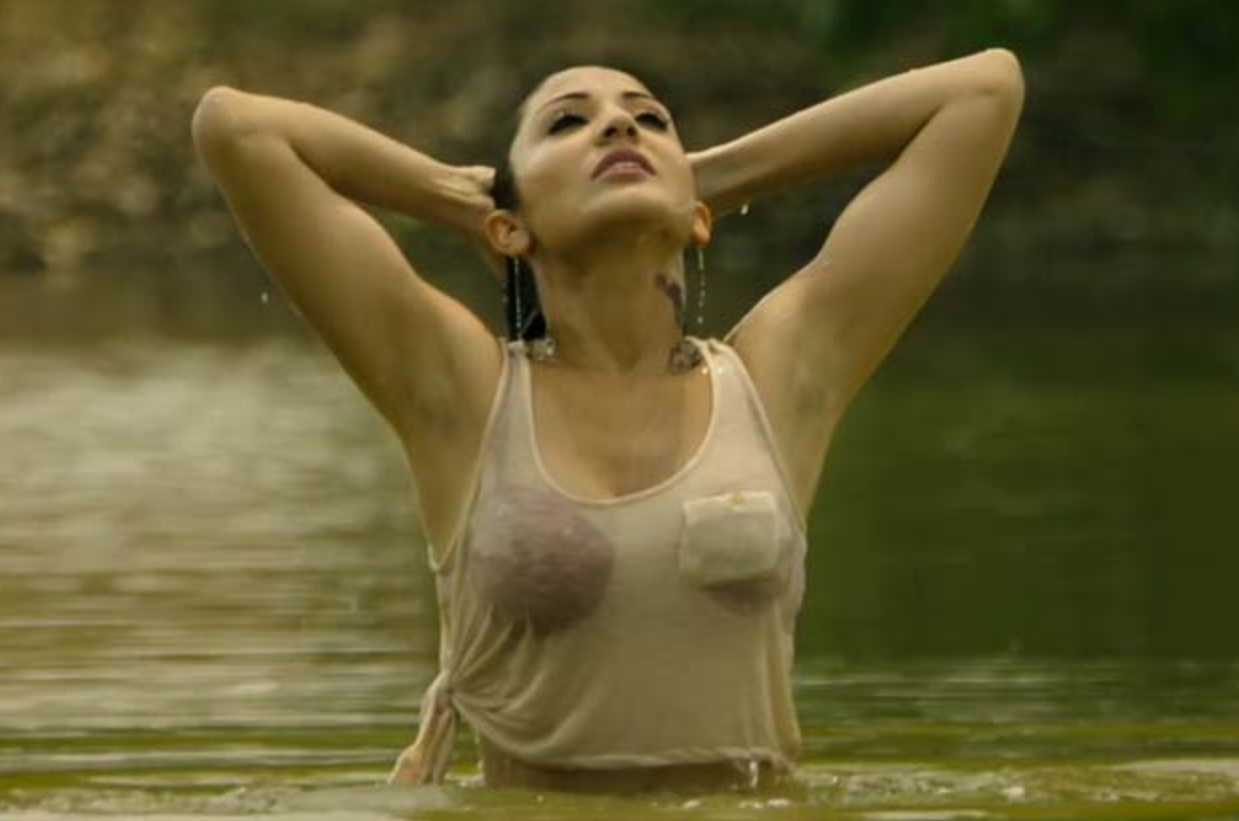 Anushka Sharma  Hotness Of Bollywood-3982